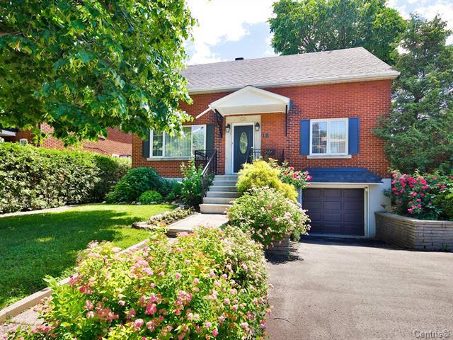 Country-Charm Living in Montreal Ouest – SOLD
