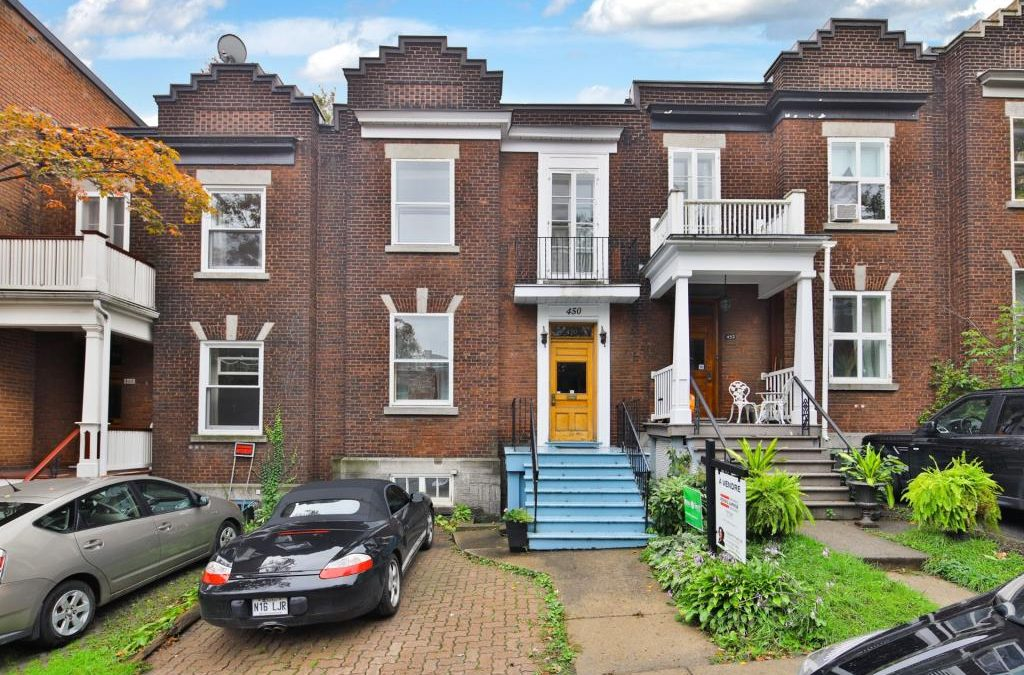 Gracious 4 Bedroom Townhouse in Westmount -SOLD in 36 days